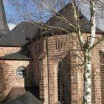 450px-Kirche_in_Lengenfeld